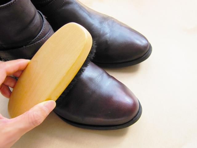 一人暮らしの靴磨き